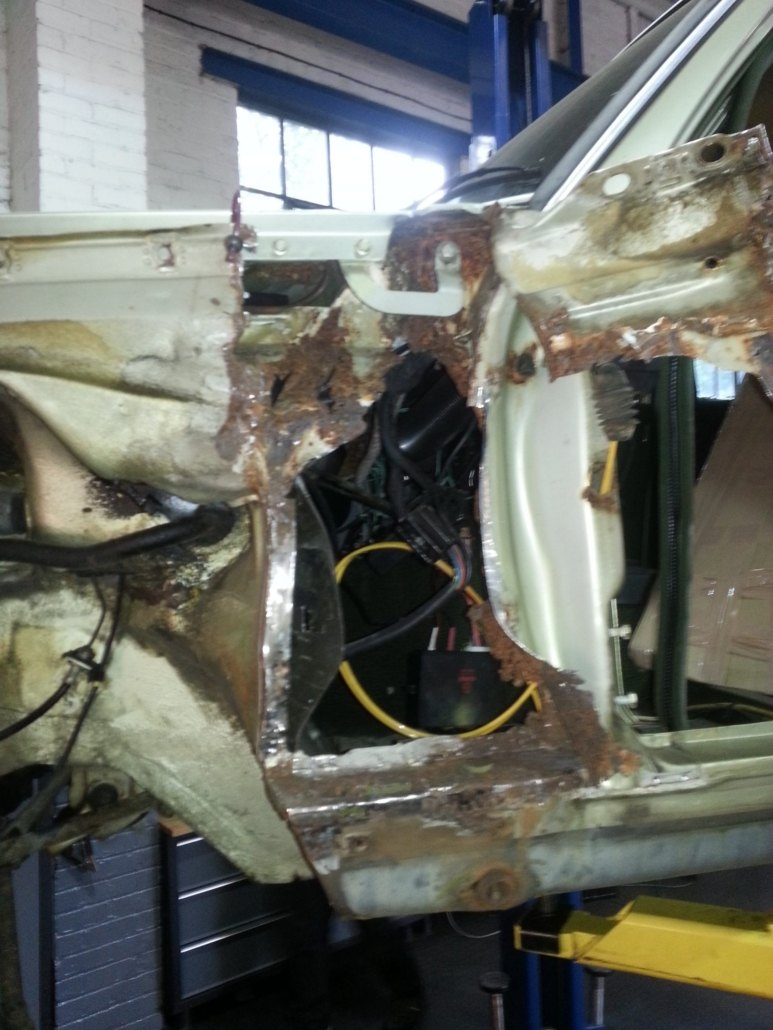 Mercedes W123 Restoration at SPR Autos